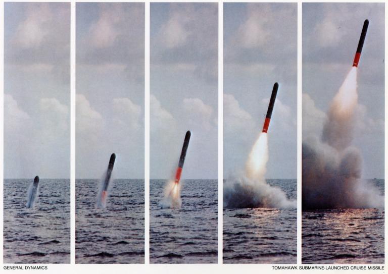 Misil Tomahawk lanzado desde un submarino. La discreción de estas plataformas las convierte en unos excepcionales lanzadores y en un elemento estratégico indispensable.