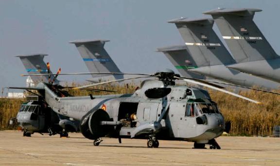 Helicóptero SH-3W con radar Searchwater.