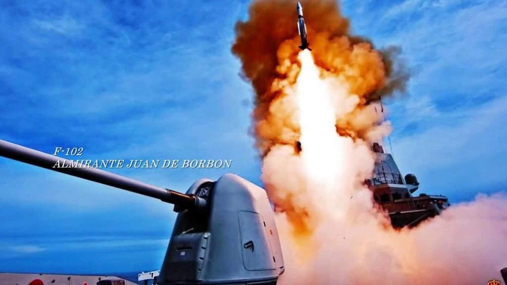 F-102 lanzando un misil Standard SM-2.