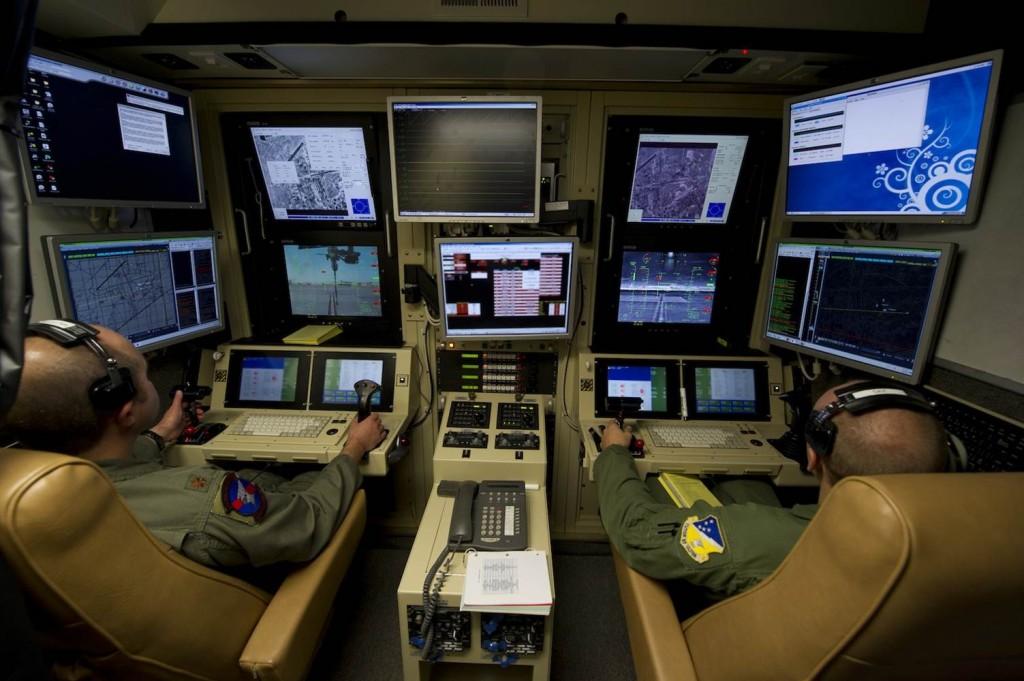 Sala de control de UAV Predator en la base aérea de Holloman, Nuevo México.