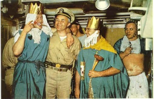 Ceremonia de paso del Ecuador a bordo del Tritón.