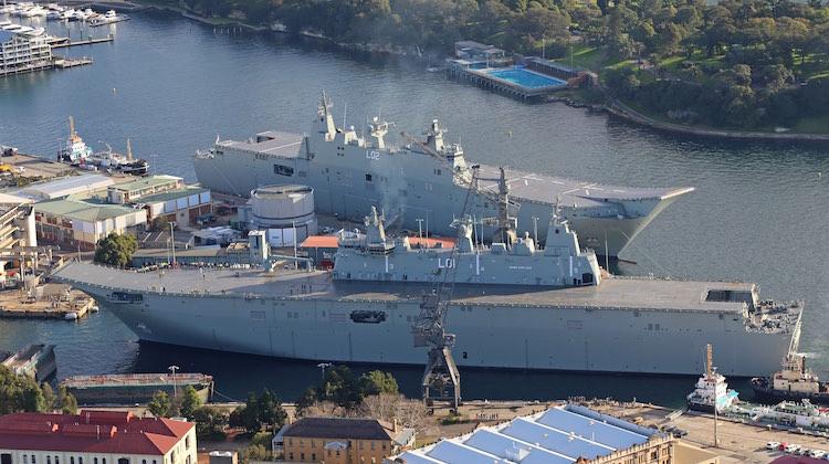 Nuestra propuesta: 2 LHD 'a la australiana', con la segunda unidad potenciada para las operaciones aéreas.