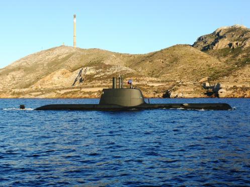 """El submarino portugués """"Tridente"""", en una de sus habituales visitas a la base de Cartagena, en Murcia."""