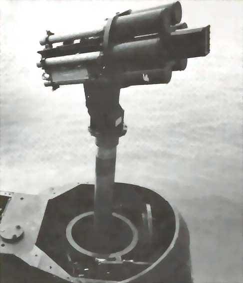 Los británicos intentaron instalar, sin mucho éxito, un lanzador de misiles BlowPipe en un mástil para sus submarinos.