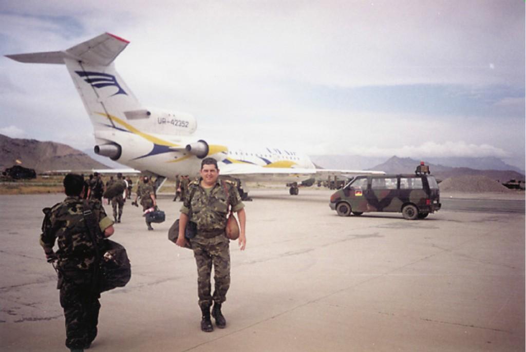 El YAK-42, poco antes de despegar.