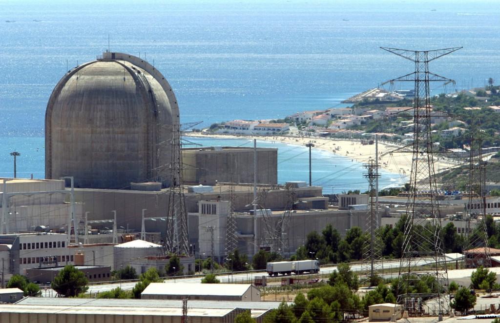 Central Nuclear de Vandellós, en Tarragona. De los residuos de esta central de tecnología francesa se planeaba extraer el Plutonio para las bombas.
