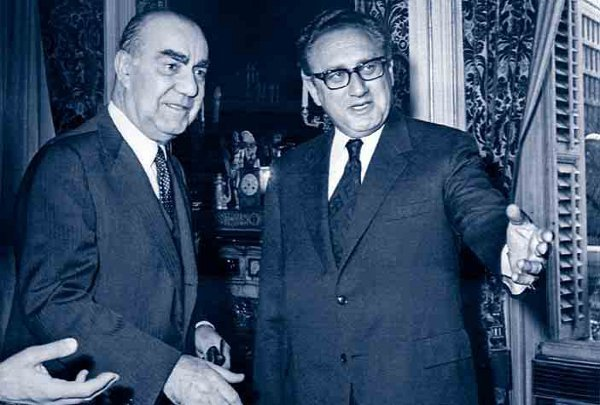 Carrero Blanco en su reunión con Kissinger, un día antes de su muerte en manos de ETA.