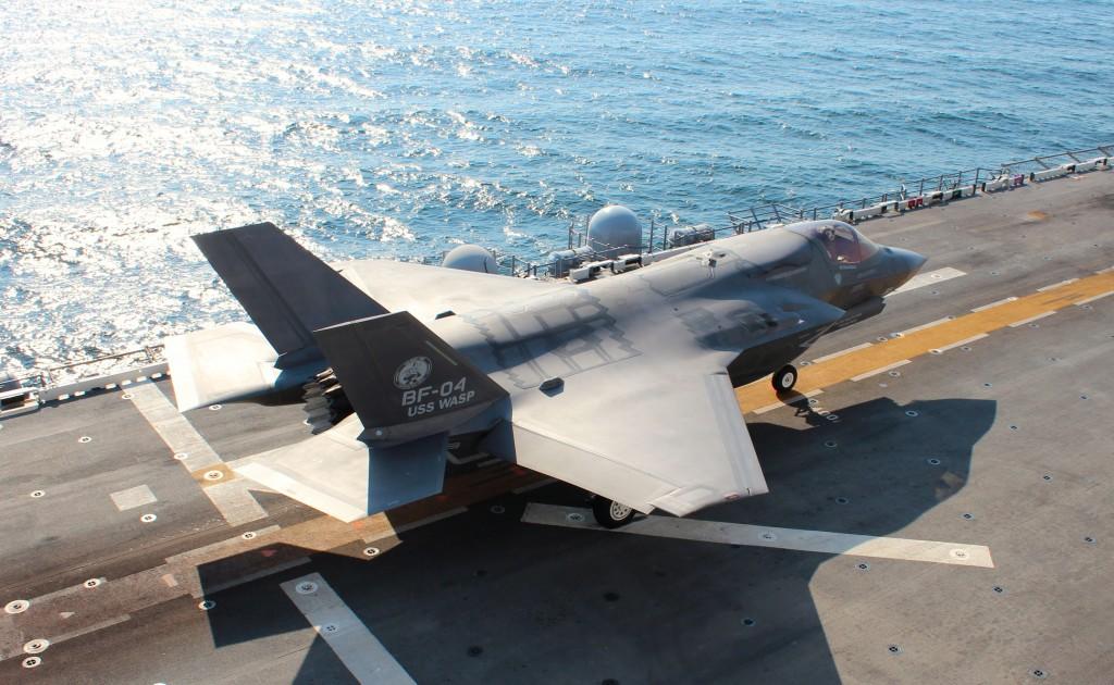 El F-35B ya ha sido mencionado por el Almirante Jefe de Estado Mayor de la Armada como única opción para sustituir los Harrier, pese a su elevado coste.
