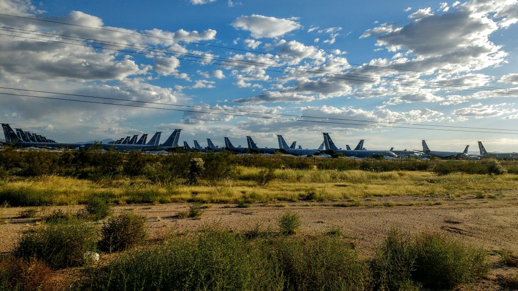 ¡Póngame una docena de aviones cisterna KC-135!