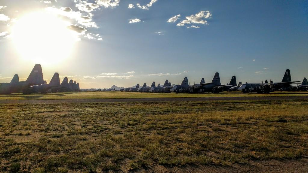 ¡Y otra docena de C-130 Hércules!