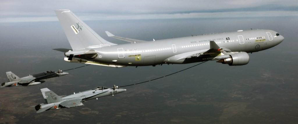 La fuerza aérea australiana opera el A-330 MRTT. Convertidos en Getafe, podemos ver a los F-18 del Ejército del Aire realizando las pruebas de validación.