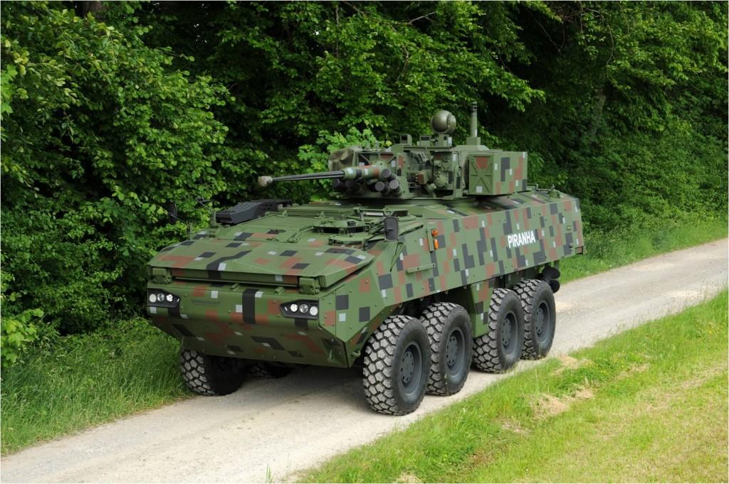 Un Piraña V del ejército danés. El fabricante suizo Mowag ofrece un impecable producto.