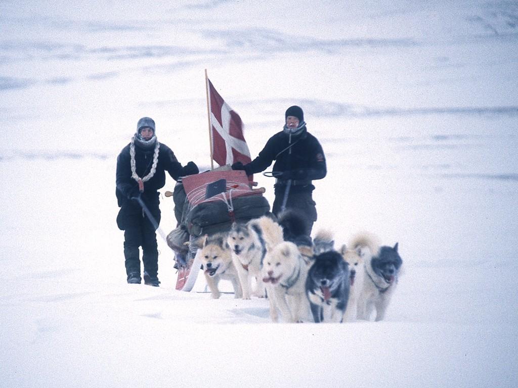 Demostrando la soberanía danesa de esta zona del Círculo Polar Ártico.