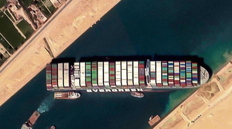 Ever Given bloqueando Canal de Suez